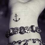 tatuaje-ancla-muñeca